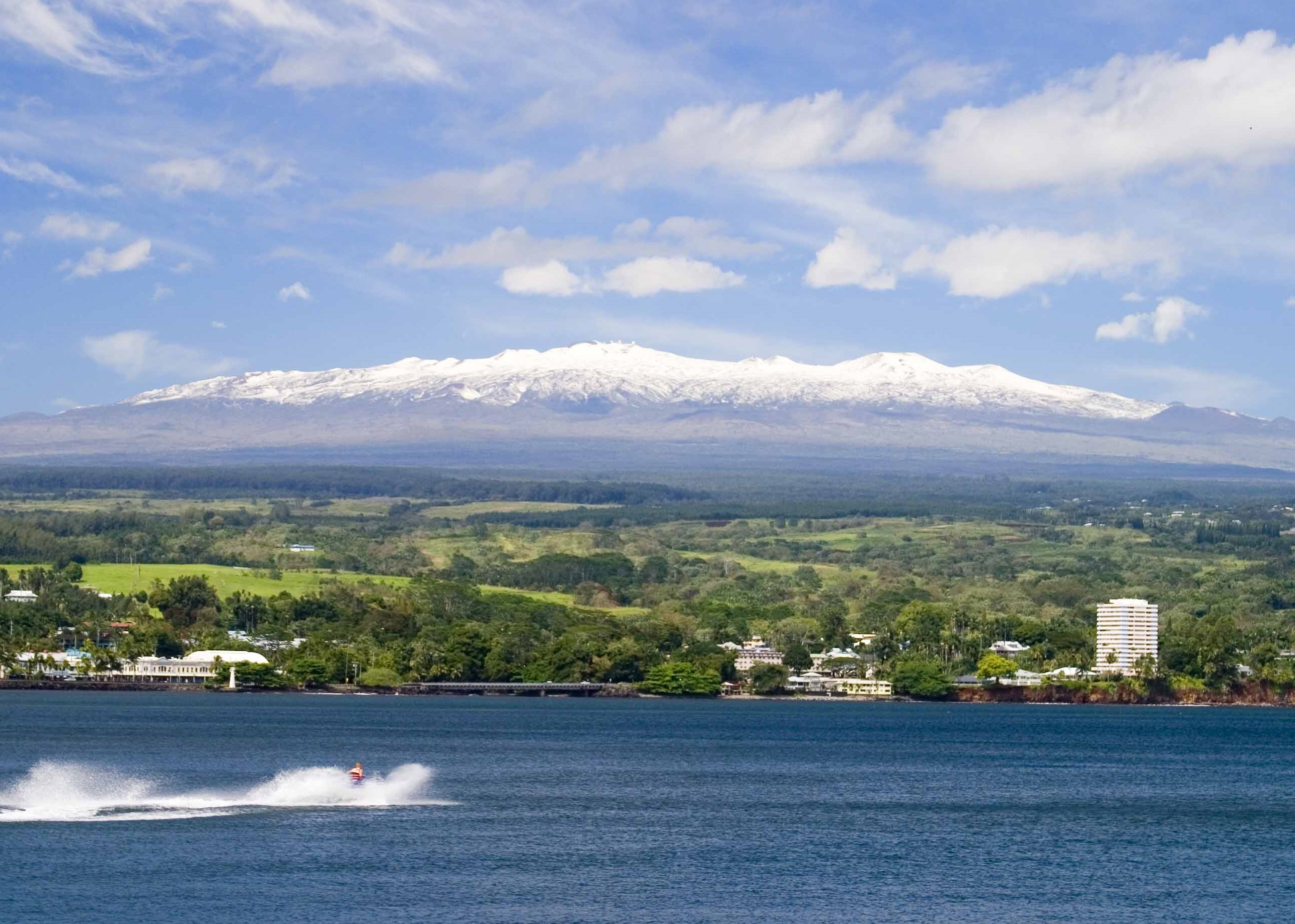 Mauna Kea in Winter and Hilo volcano mountain retreat b&b big island hawaii