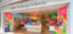 d_t_c__bath_body_works_interior_storefro