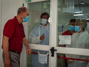 Los héroes a veces no tienen capa. Visitando a los médicos que nos cuidan en el Modular.Los héroes a veces no tienen capa. Visitando a los médicos que nos cuidan en el Modular.