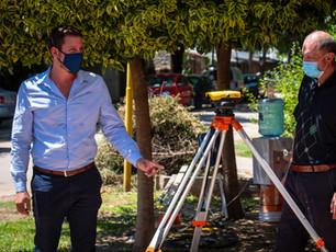 Junto al Ing. Martín Tartarelli, nuestro Secretario de Obras, monitoreando la histórica obra de cloacas en San Miguel