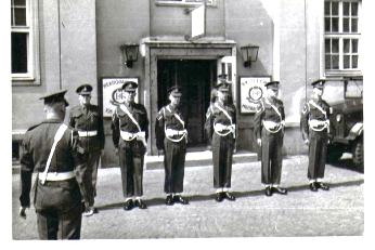 Arming parade at Schonbrunn Kaserne.png
