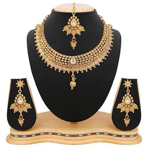 Apara Exquisite Golden Jalebi Design Necklace Set With Kundan For Women
