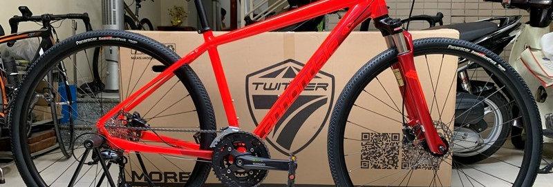 Xe đạp thể thao touring Cannondale QUICK CX 3, Shimano 27 tốc độ. Hàng nhập khẩu