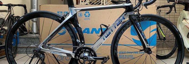 Xe đạp đua TWITTER T10 PRO - Khung full Carbon, group Shimano CLARIS. Hàng NK