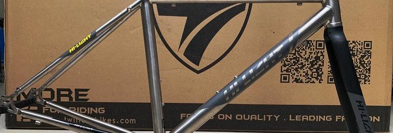 Khung sườn Titanium chính hãng : HI-LIGHT R5 - Hàng nhập khẩu (mới 100%)