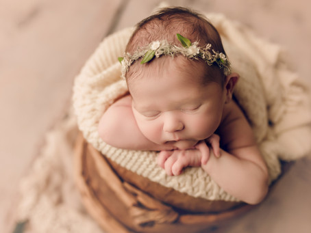 Top 6 Questions to Ask Before Booking A Newborn Photographer