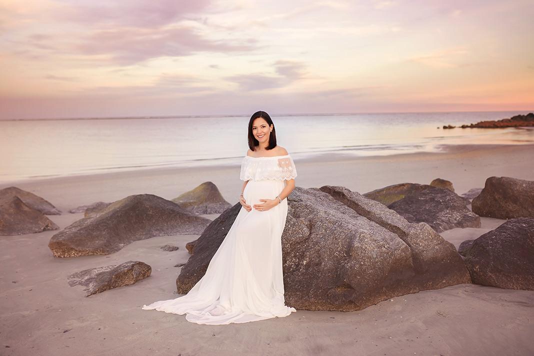 MATERNITY-Pregnant-Folly Beach.jpg