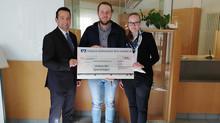 Volksbank und Raiffeisenbank spendet für die DJK