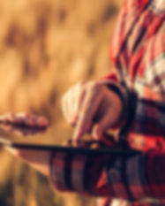 Producer Tablet Agriculture IoT America.