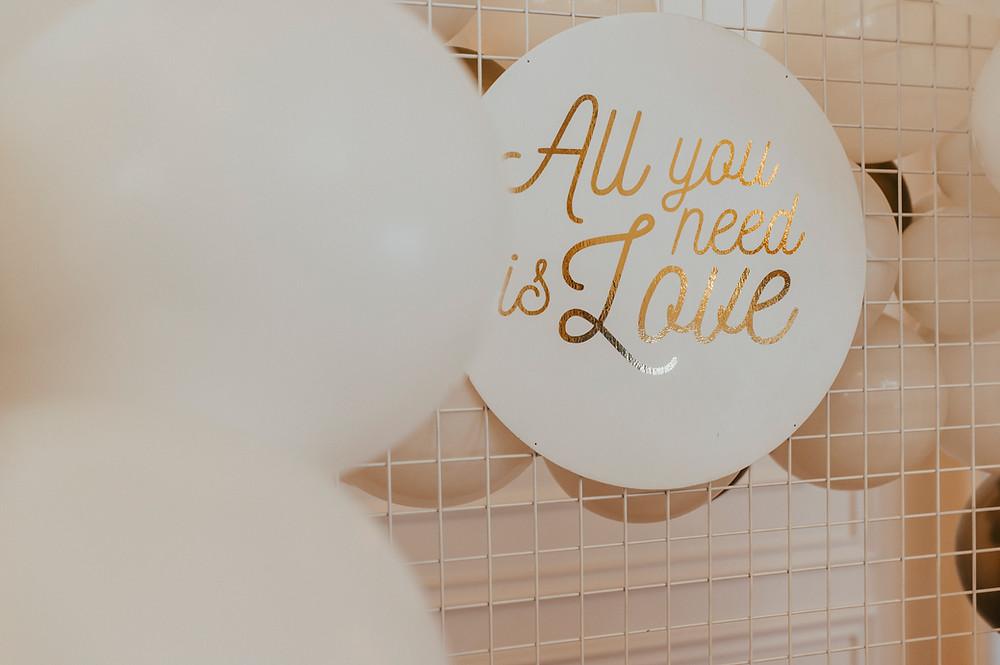 suknia ślubna, panna młoda, sukienka ślub, wesele, wesele glamour, glamour, sesja ślubna, dekoracje balonowe, balony, balony Lublin, ścianka balonowa, ścianka do zdjęć, tort weselny, słodki stół, dekoracje weselne, fotograf Lublin, Rezydencja w Szczerym Polu