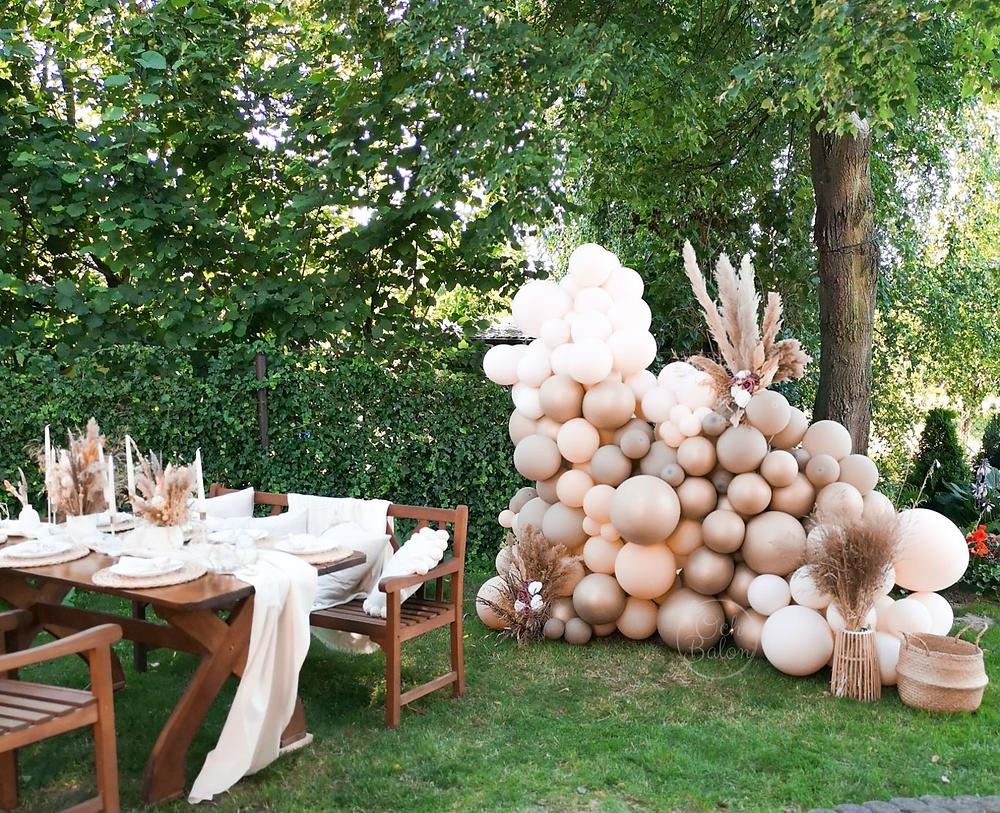 och balon, pomysł na 30 urodziny balony, Impreza w stylu desert boho plener, przyjęcie boho, dekoracje boho