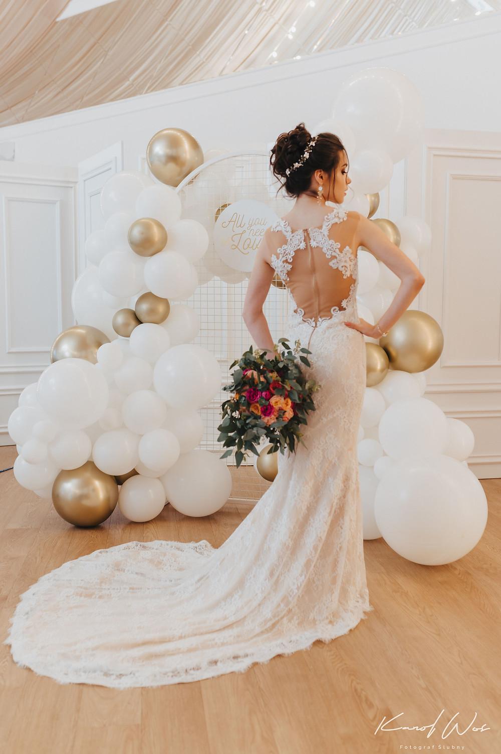 suknia ślubna, panna młoda, sukienka ślub, och balon, wesele, wesele glamour, glamour, sesja ślubna, dekoracje balonowe, balony, balony Lublin, ścianka balonowa, ścianka do zdjęć, tort weselny, słodki stół, dekoracje weselne, fotograf Lublin, Rezydencja w Szczerym Polu, wesele Lublin, wesele Lubelskie