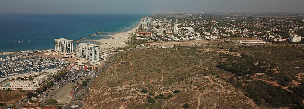 חוף התכלת - הרצליה