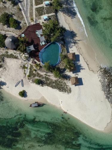 Coral Lodges