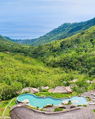 Mathis Lodge - Amed Bali.png