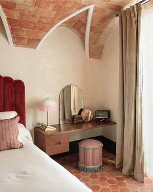 Hotel La Bionda - Begur Espagne.png
