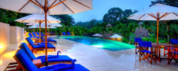 belize-luxury-resort-infinity-swimming-pool-chaa-creek-home-carousel