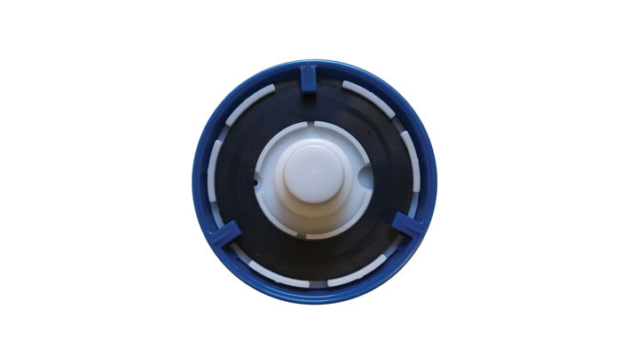 Sturdy cap with rubber seal