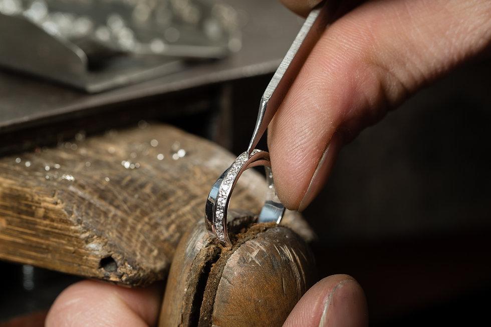 hand crafting diamond jewellery