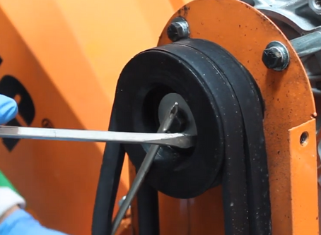 """How to replace belts on the PK0915 5"""" / PK0903 4"""" Chipper"""