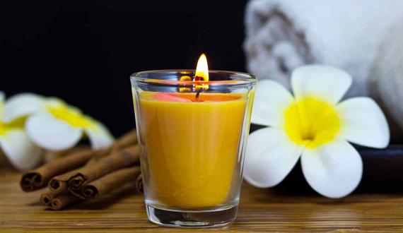velas perfumadas com flores