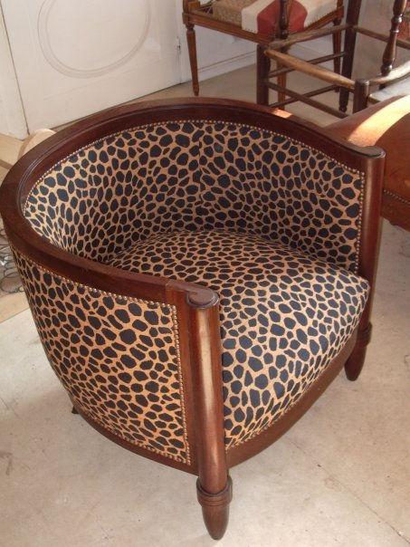 tapissier decorateur robion vaucluse luberon 84 histoire. Black Bedroom Furniture Sets. Home Design Ideas