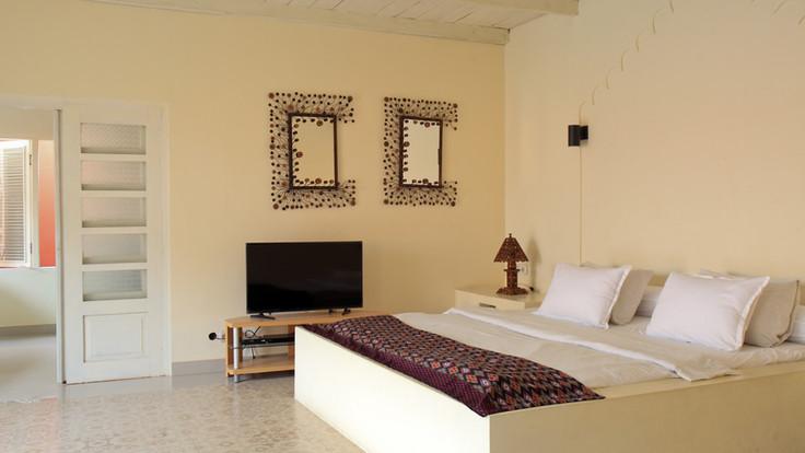 Villa Pearl - comfortable super king bed