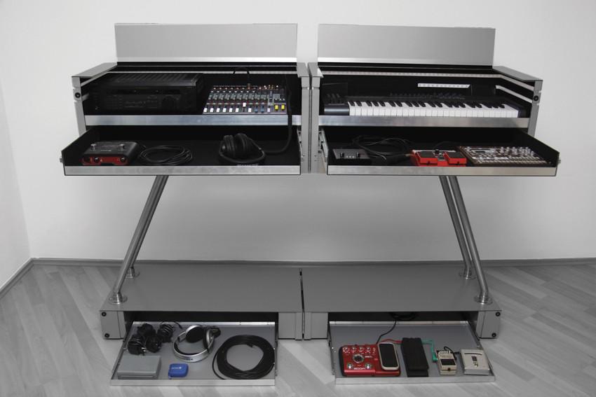 Standoff - Mobile music furniture