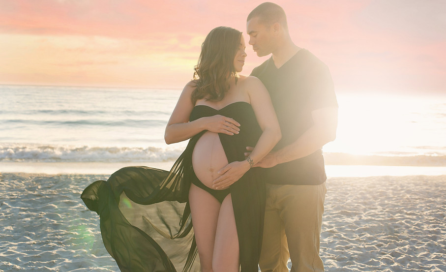 Harris Beach Maternity | Tiffany Allen Photography