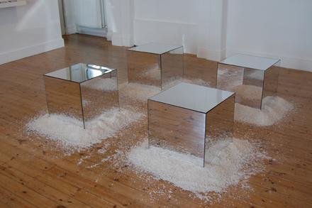 Mirror-Cubes Robert Morris