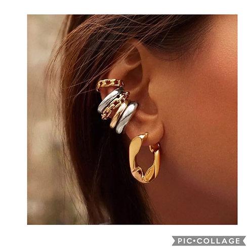 Clutch Me Earrings
