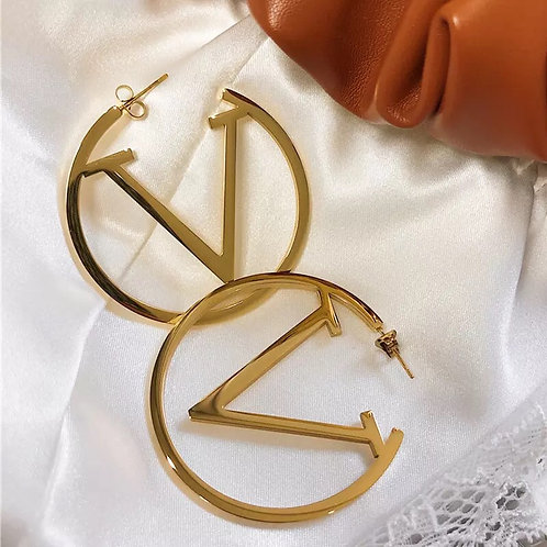 Hoop'V earrings
