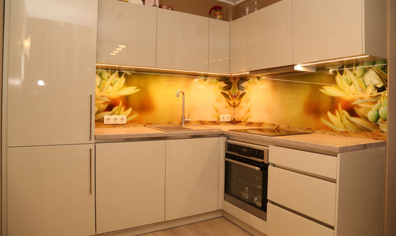 Glass Panel Kitchen.png