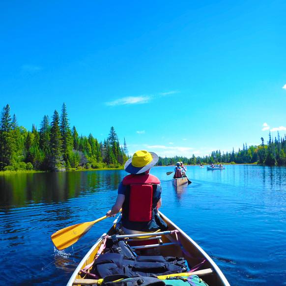 森と湖の原野へ カヌーの旅
