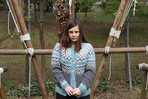Jökull by Jigsknits with buttons // size S
