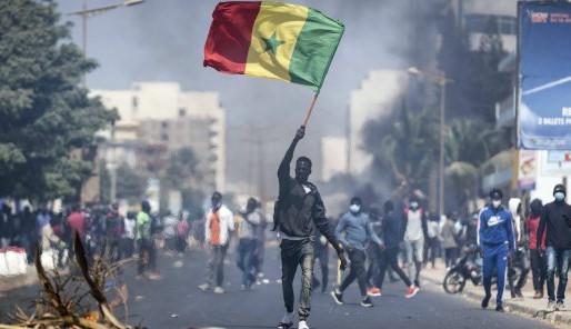 Protestations au Sénégal - des symboles français visés