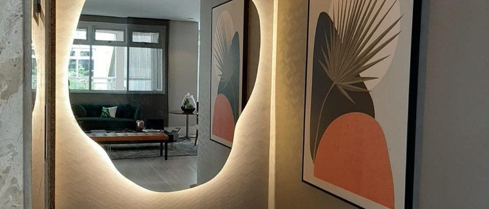 Espelho flutuante Orgânico com Led por trás Mod. A2  1,15 X 1,50. Cód. 000006