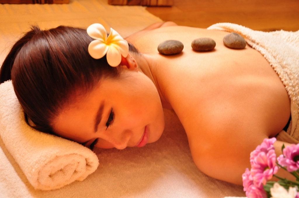Hot Stone Massage - 1 Hour 30