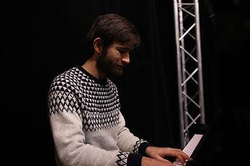 Diego piano.jpg