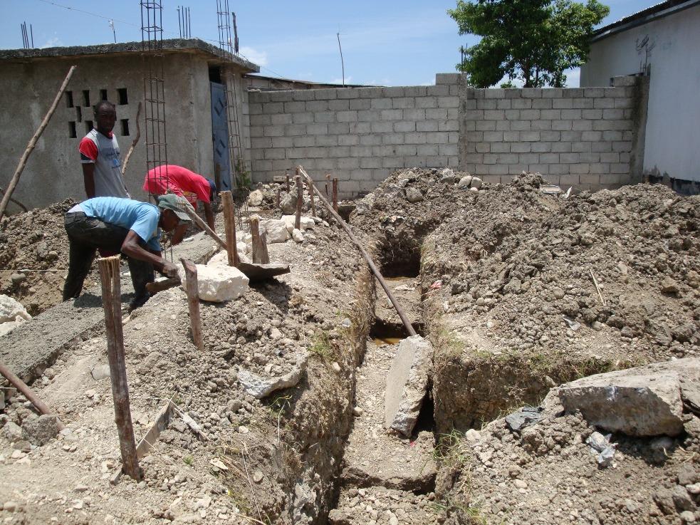 Peace_ Academy_Haiti_2009 (3).JPG