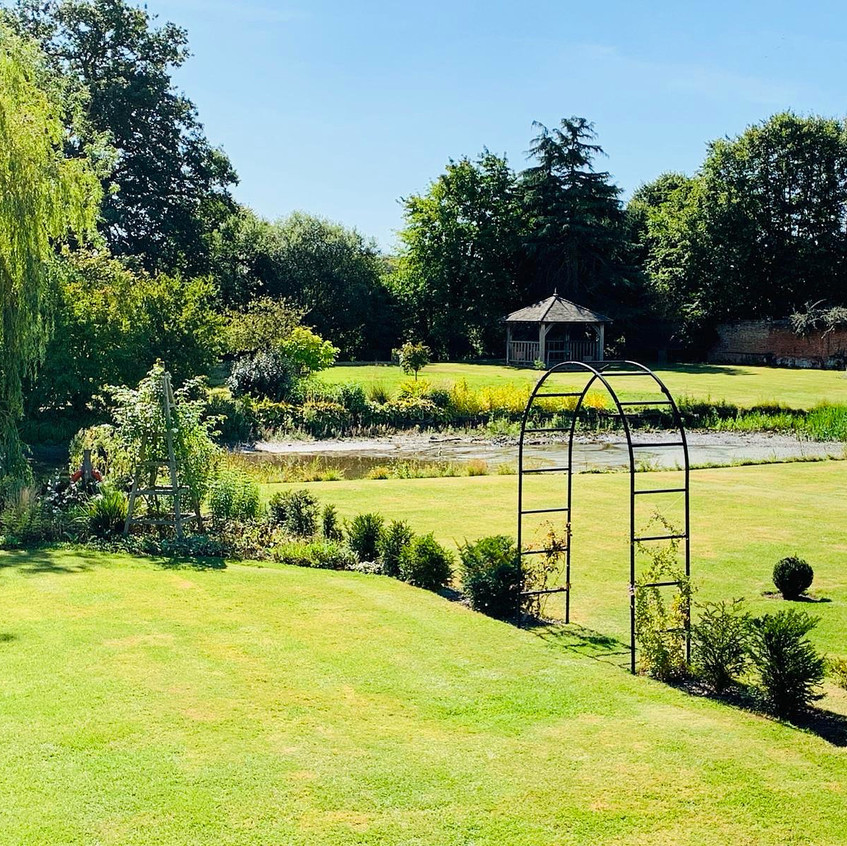 Gardens at Anne of Cleves Barn