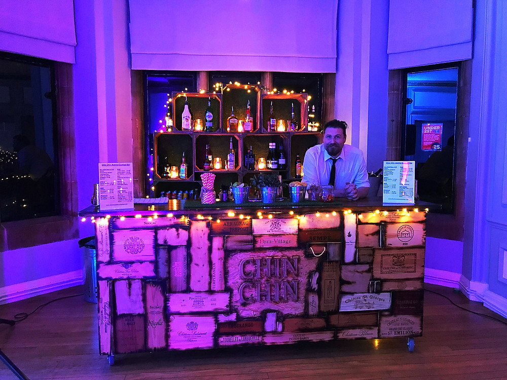 The Wine Box Bar set up & ready for 40th birthday party guests to arrive in East Grinstead