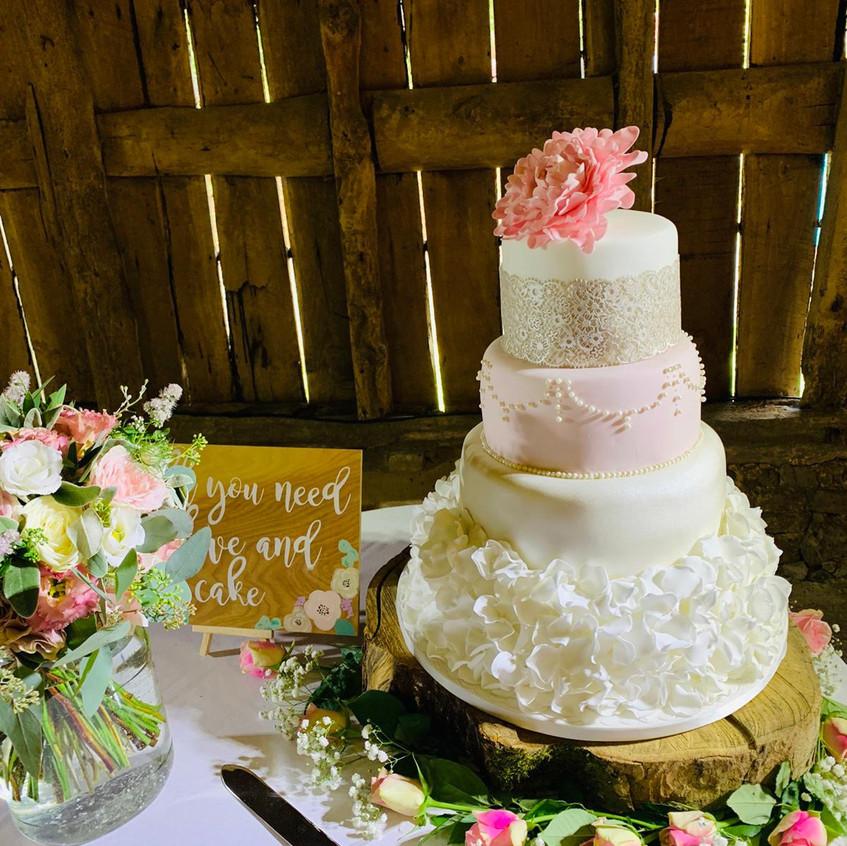 Wedding Cake at Daniel & Sarah's Wedding