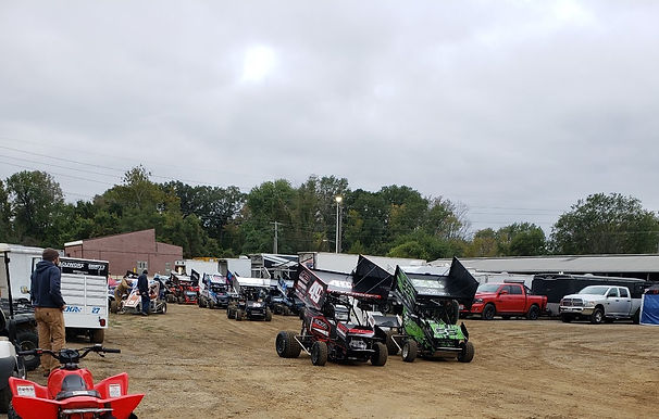 Powri 600cc Micro-sprints at Belle Claire Speedway 10/13/2018.