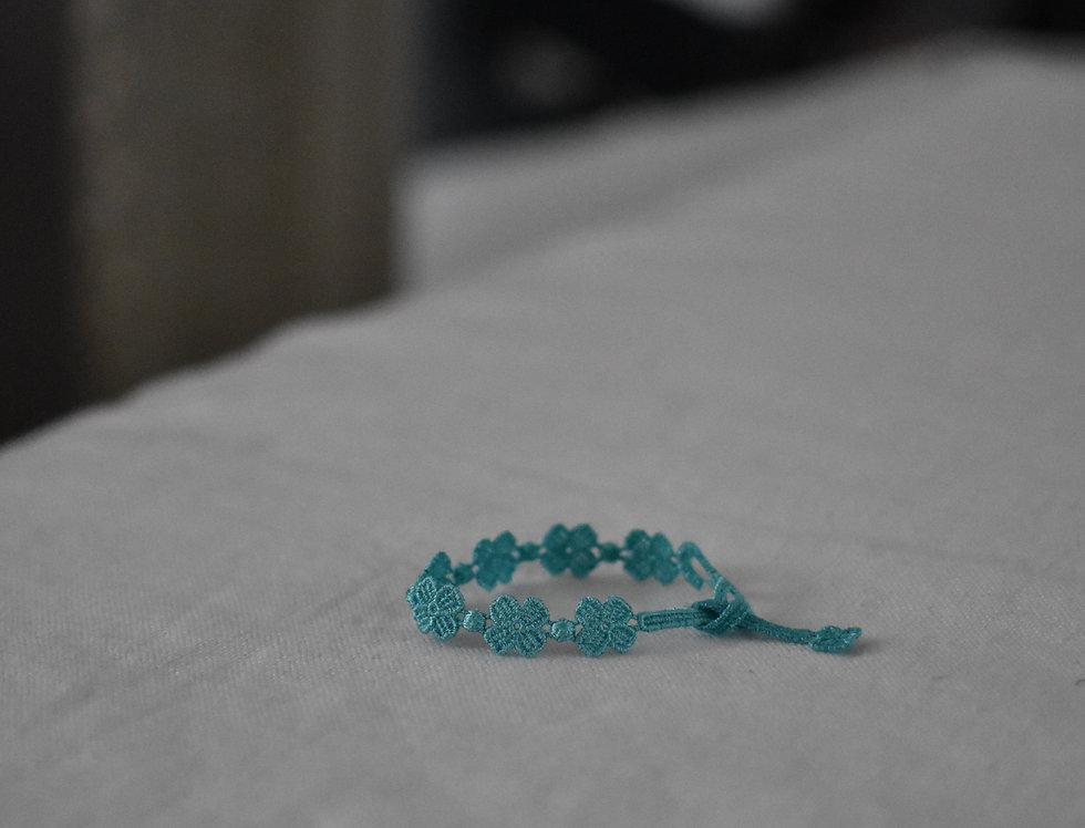 "Bracelet crochet à nouer ""Bleu Méthylène"""