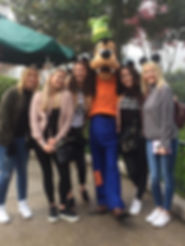 Girls with Goofy Disneyland Paris