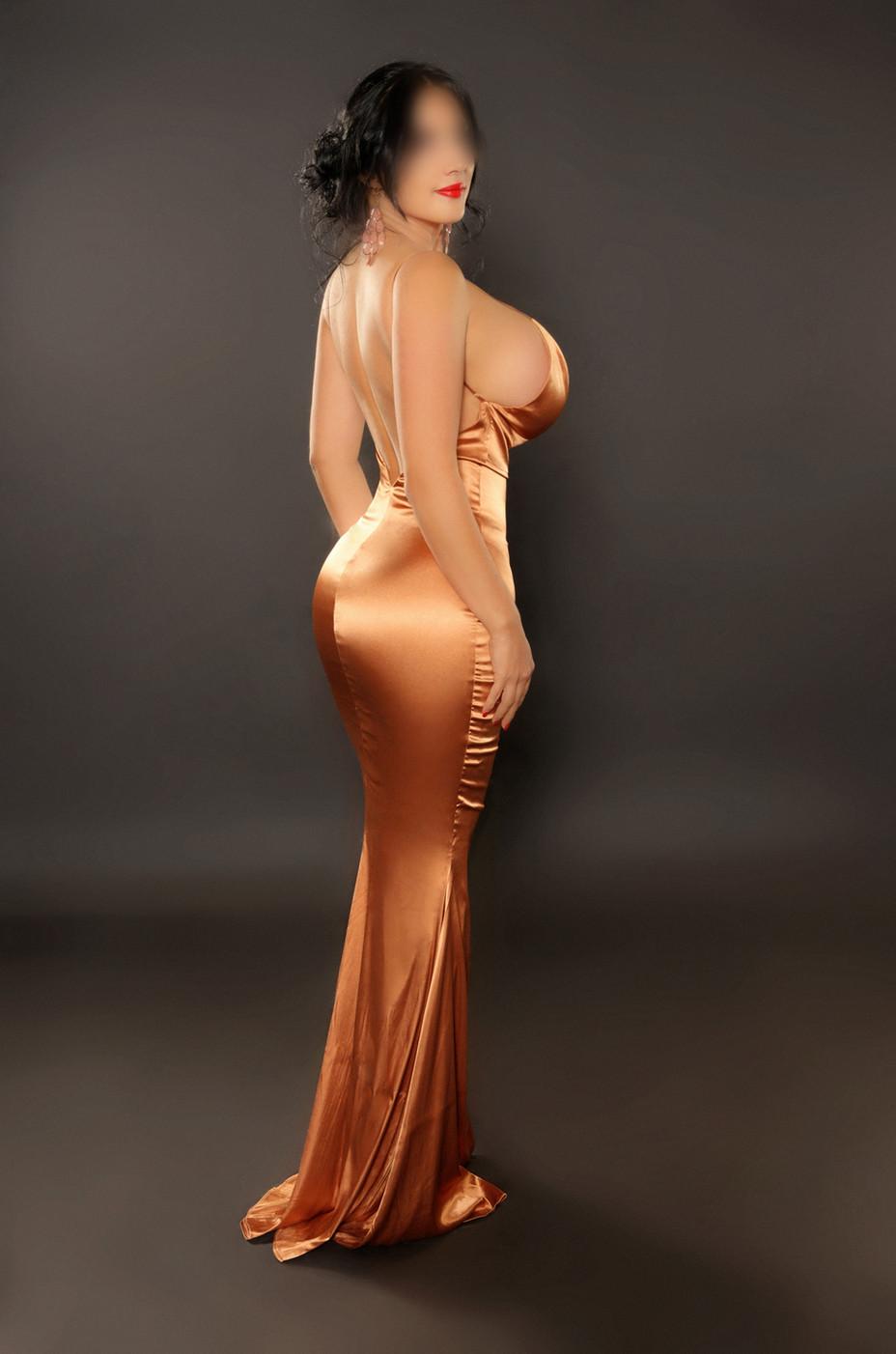 Anna Belluncci Model