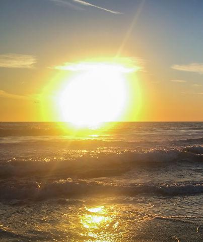 Surf sous le couché de soleil de Venice Beach_edited.jpg