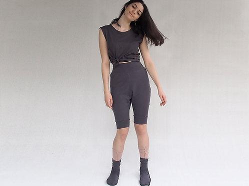 מכנסי יוגה ברך אפור פחם