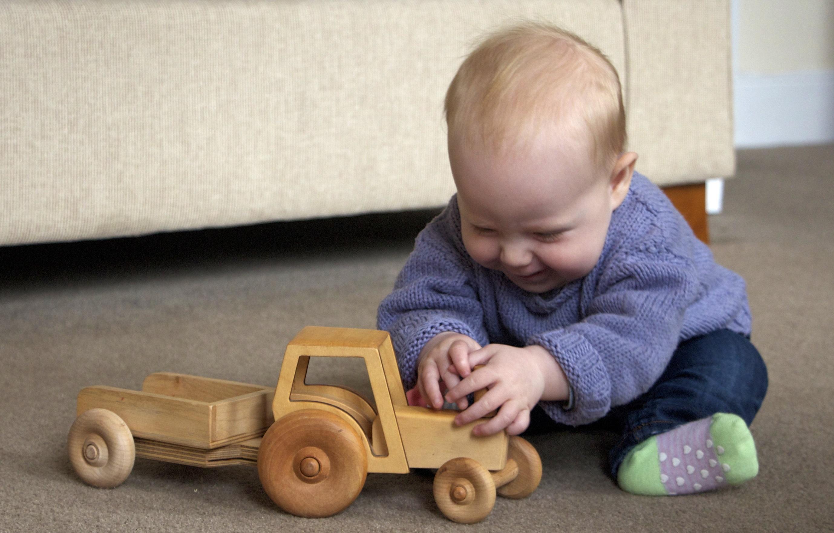 Croglin Toys - Tractor +Trailer 4